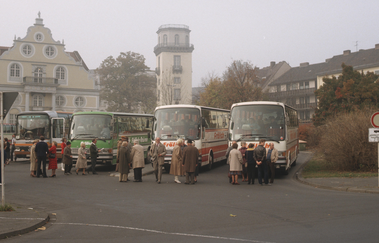 Die Firma entwickelt sich zum mittelständischen Busunternehmen